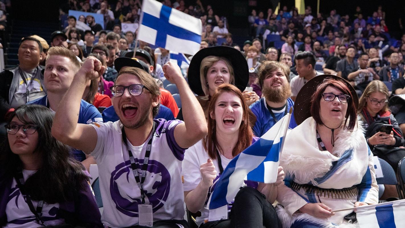 1422-finland-fans.jpg