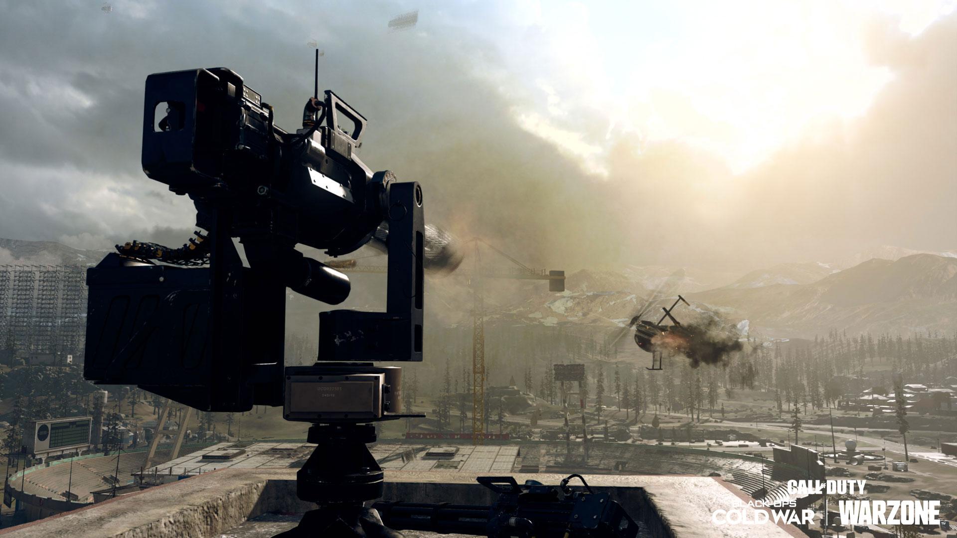 Geschütz schießt einen Helikopter ab