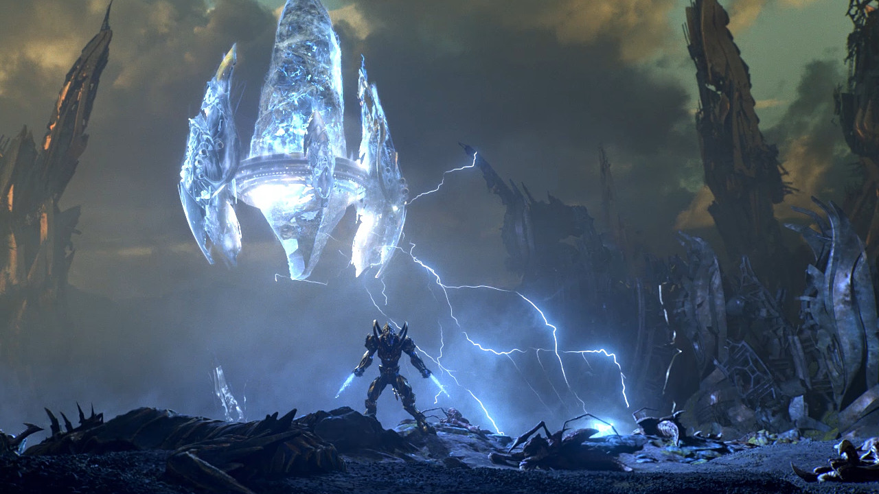A lone Zealot protects a Pylon against the zerg swarm