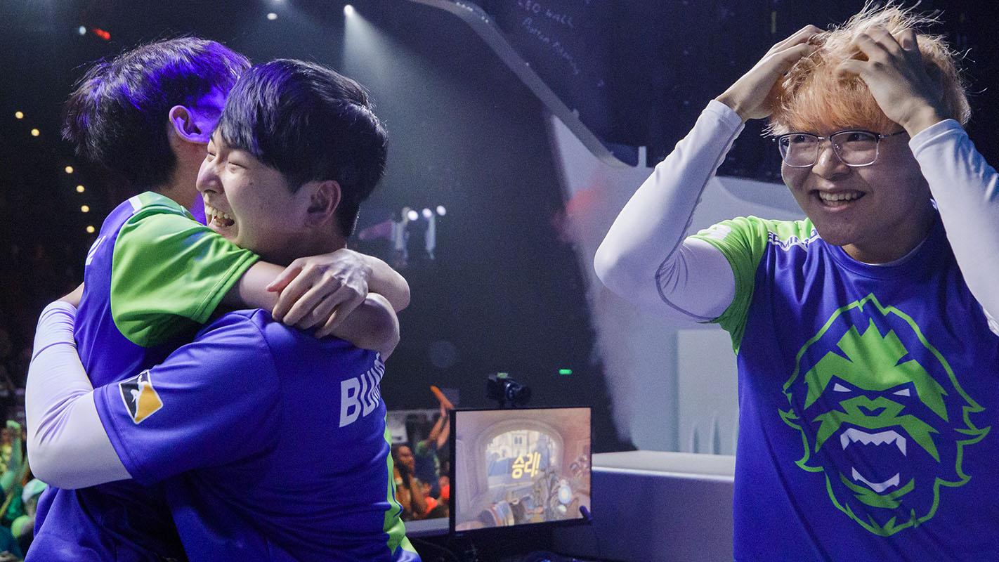 1422-team-hug.jpg